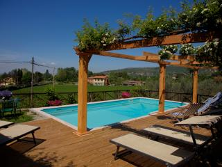 11 bedroom Bed and Breakfast with Internet Access in Cortona - Cortona vacation rentals