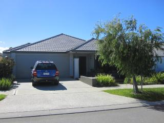 Nice 4 bedroom House in Quinns Rocks - Quinns Rocks vacation rentals