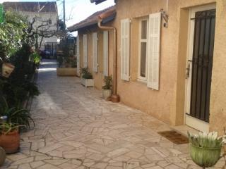 St raphael-appartement rez de jardin - Saint Raphaël vacation rentals