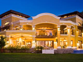 Hacienda Flamingo YellowHouse - Playa Flamingo vacation rentals