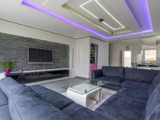 ID 5695 | House | WiFi | Laatzen - Laatzen vacation rentals