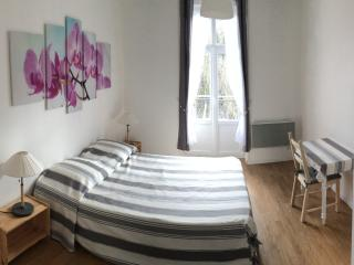 Bright 3 bedroom La Bourboule Apartment with Internet Access - La Bourboule vacation rentals