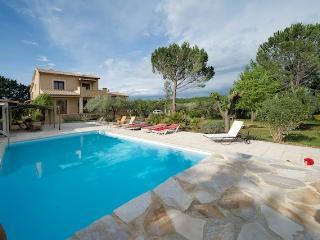 Nice 7 bedroom Villa in Vezenobres - Vezenobres vacation rentals