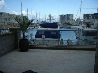 2 room marina herzelya amazing garden apartment - Herzlia vacation rentals