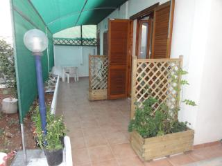 monolocale per 2 e per 4 persone - Torre Lapillo vacation rentals