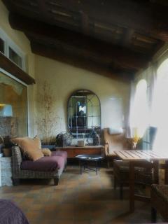 Bright 5 bedroom Orange House with Internet Access - Orange vacation rentals