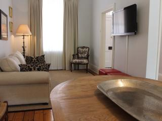 The Guesthouse, A Fab Cottage for Festivals - Adelaide vacation rentals