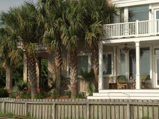 BELLA SERA  North Carolina  WATERFRONT - Oak Island vacation rentals