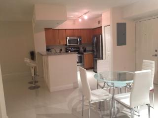 Gorgeous Luxury 1 Bedroom Apt in Coral Gables - Coral Gables vacation rentals