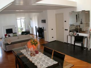 4 bedroom Condo with Internet Access in Cadenabbia di Griante - Cadenabbia di Griante vacation rentals