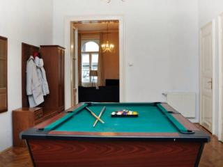 Budapest Luxury Home 4bd - 8 people - Budapest vacation rentals