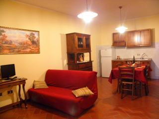Cozy 2 bedroom Condo in Gubbio - Gubbio vacation rentals
