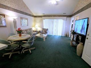 Thousand Hills Golf View- 2 Bedroom, 2 Bath Condo Overlooks Golf Course - Branson vacation rentals