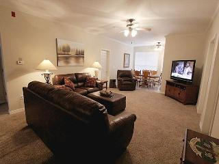Glorious Getaway-4 bedroom, 4 bathroom condo located in the heart of Branson! - Branson vacation rentals