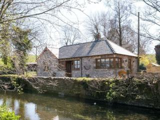 HAWTHORN COTTAGE, Stainton, Nr Kendal - Sedgwick vacation rentals