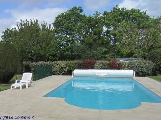 Romantic 1 bedroom Saint-Julien-des-Landes Gite with Internet Access - Saint-Julien-des-Landes vacation rentals