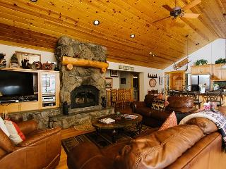 Fawn - Family 5 BR Lakeview w/ Hot Tub & Pool Table! Sleeps 14! From $450/nt - Tahoe Vista vacation rentals