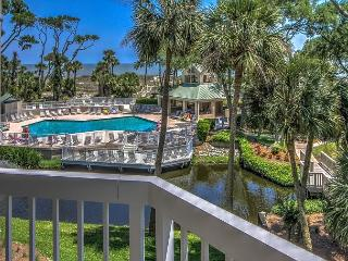 206 Barrington Arms-2nd Floor and BEAUTIFUL!  Book now for the Fall/Winter. - Hilton Head vacation rentals