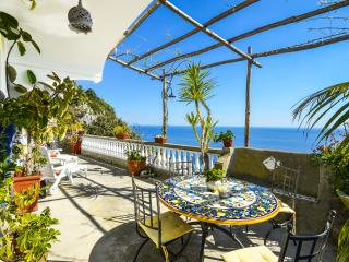 APPARTAMENTO RAMNI - Positano vacation rentals