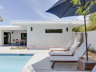3BR/2BA Sleek Modern House, Private Saltwater Pool and Hot Tub, Sleeps 6 - Palm Desert vacation rentals