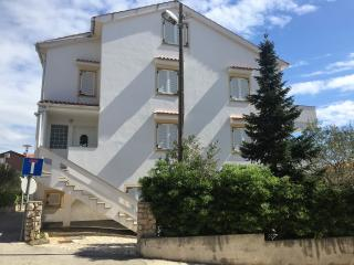 LOINA A4 TIP4+2 - Novalja vacation rentals