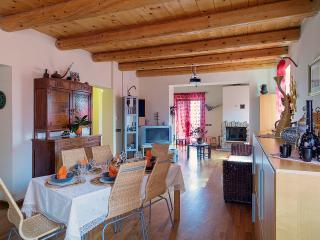 Villa con Piscina - Monte San Giusto vacation rentals