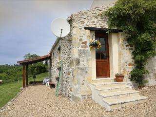 Newly Renovated Gite Mineur with pool.Nontron.Brantome area. Dordogne .France. - Nontron vacation rentals