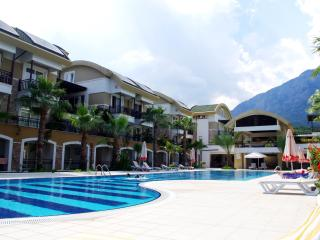 Cozy flat for big family, 100 m to the sea - Kemer vacation rentals