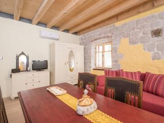 Mola Premium 1, One Bedroom Apartment - Stari Grad vacation rentals