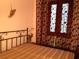Romantic 1 bedroom Private room in Pontedera with Internet Access - Pontedera vacation rentals