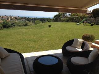 Villa sur les hauteurs  au calme - Cagnes-sur-Mer vacation rentals