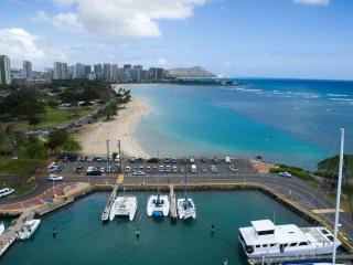 Floating accommodation in Paradise - Honolulu vacation rentals