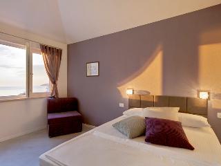 Studio 'Lianto' - Drasnice vacation rentals