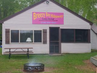 Muskie Hut - Breezy Bay Hideaway - Radisson vacation rentals