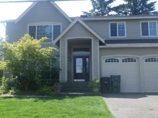 Newer Contemporary Home two miles from US Open - University Place vacation rentals