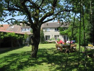 Maison de charme au Sud de Fontainebleau et Milly, 18 couchages - Malesherbes vacation rentals