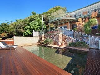 20 Pacific Terrace, Coolum Beach $500 BOND, Pet Friendly - Small dog only - Coolum Beach vacation rentals