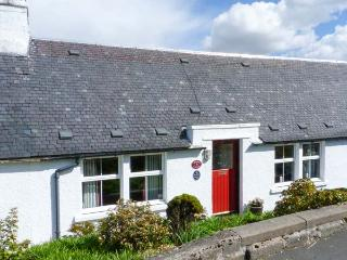 BAILEY'S COTTAGE, multi-fuel stove, pet-friendly, WiFi, lawned garden, nr Mauchline, Ref 26612 - Mauchline vacation rentals