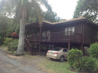 Nice 2 bedroom Hibberdene Cabin with Deck - Hibberdene vacation rentals