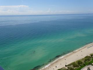 MAGNIFICENT OCEAN VIEWS! MODERN DECOR-CORNER UNIT - Sunny Isles Beach vacation rentals