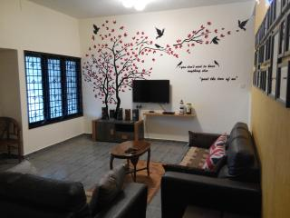 Rest & Relax Classical Homestay Ipoh Garden East - Ipoh vacation rentals