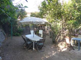 T2 R de C villa jardin privatif - Toulon vacation rentals