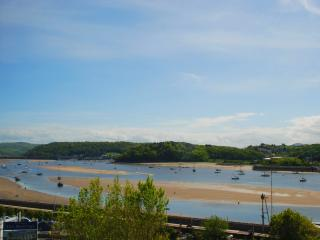Lovely Condo with Central Heating and Stove - Deganwy vacation rentals