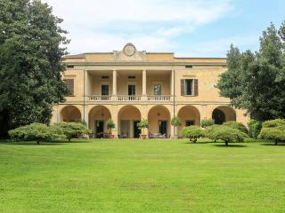 Villa Longo: fascino e tranquillità - Faverzano vacation rentals