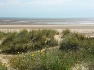 Family Friendly Home Direct On Lovely Sandy Beach - New Romney vacation rentals