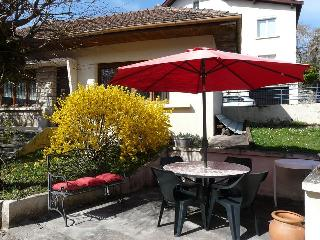 Lovely Gite in Vesoul with Outdoor Dining Area, sleeps 4 - Vesoul vacation rentals