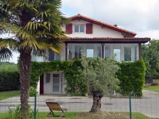 Cozy 2 bedroom Bed and Breakfast in Tarnos with Internet Access - Tarnos vacation rentals