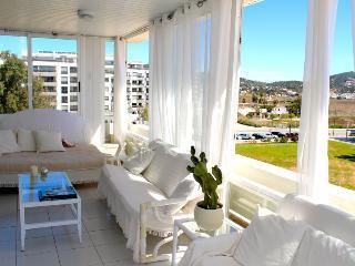 Beautiful and spacious apartment in the Marina - Ibiza vacation rentals