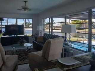 Quiet pool home with lake view, close to beaches - Venice vacation rentals