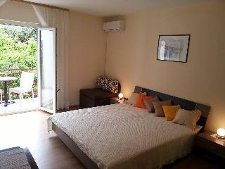 Apartment Euphoria - Jelsa vacation rentals